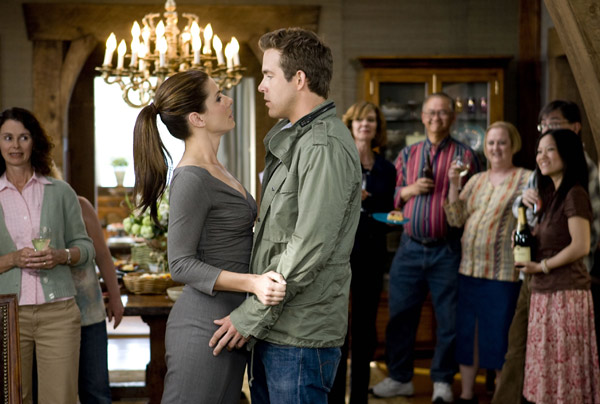 Ryan Reynolds and Sandra Bullock in THE PROPOSAL (3)